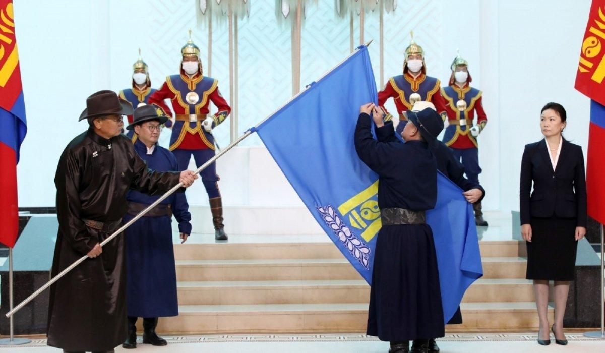 Х.Баттулга Монголын Ардчилсан холбоонд МОНГОЛ УЛСЫН БААТАР цол хүртээсэн гэв үү