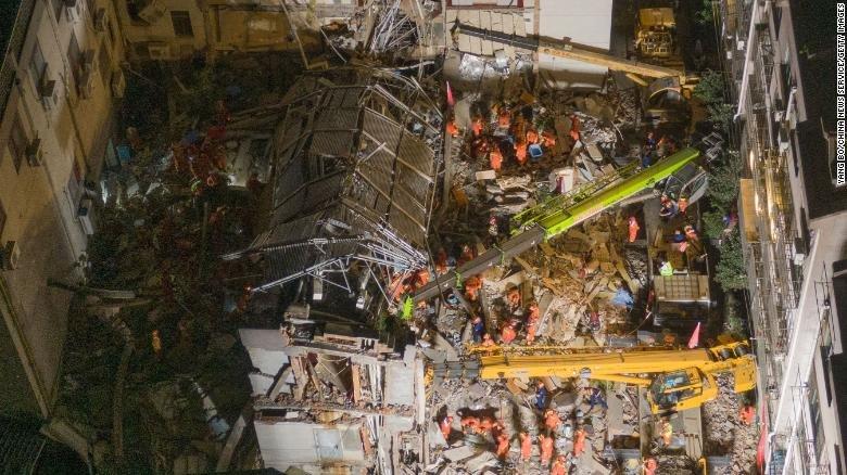 БНХАУ-д зочид буудал нурж, найман хүн нас баржээ