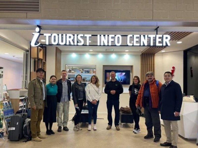 ХБНГУ-ын сэтгүүлчид Монгол орныг сурталчлахаар ирлээ
