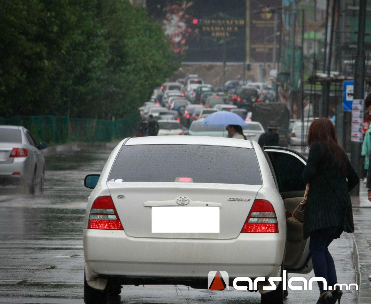 Хувийн такси үйлчилгээний үнэ км нь 2000 төгрөг болжээ