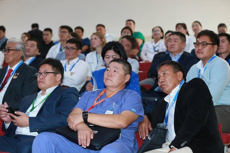 k3xu4ifx6x ФОТО: БӨӨРНИЙ МЭС ЗАСЛЫН эмч, мэргэжилтнүүдийг хамарсан ОЛОН УЛСЫН ХУРАЛ мэс заслын үзүүлэх сургалтаар үргэлжилж байна