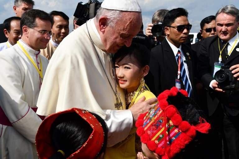 Ромын папын Мьянмарт хийх  айлчлал эхэллээ